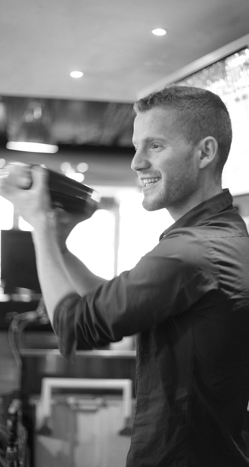 bar tender making a cocktail