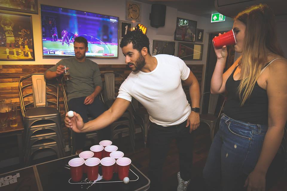 replays sports bar